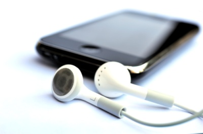 ipod/iphone/mp3 player with earbuds