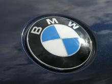 BMW-logo-hood