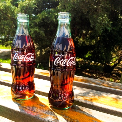 2 Cokes