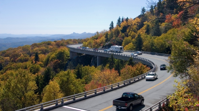 AUTUMN TRAFFIC LINN COVE VIADUCT