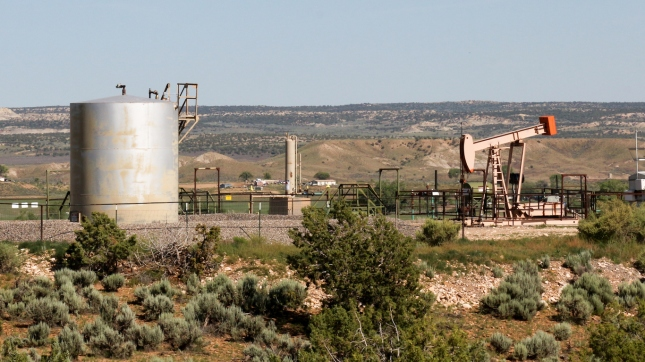 new-mexico-oil-field-oil-and-gas-extraction