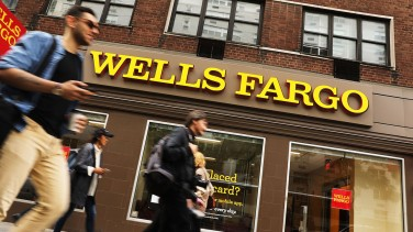 Wells Fargo Error Kicks 400 People Out Of Their Houses | 24