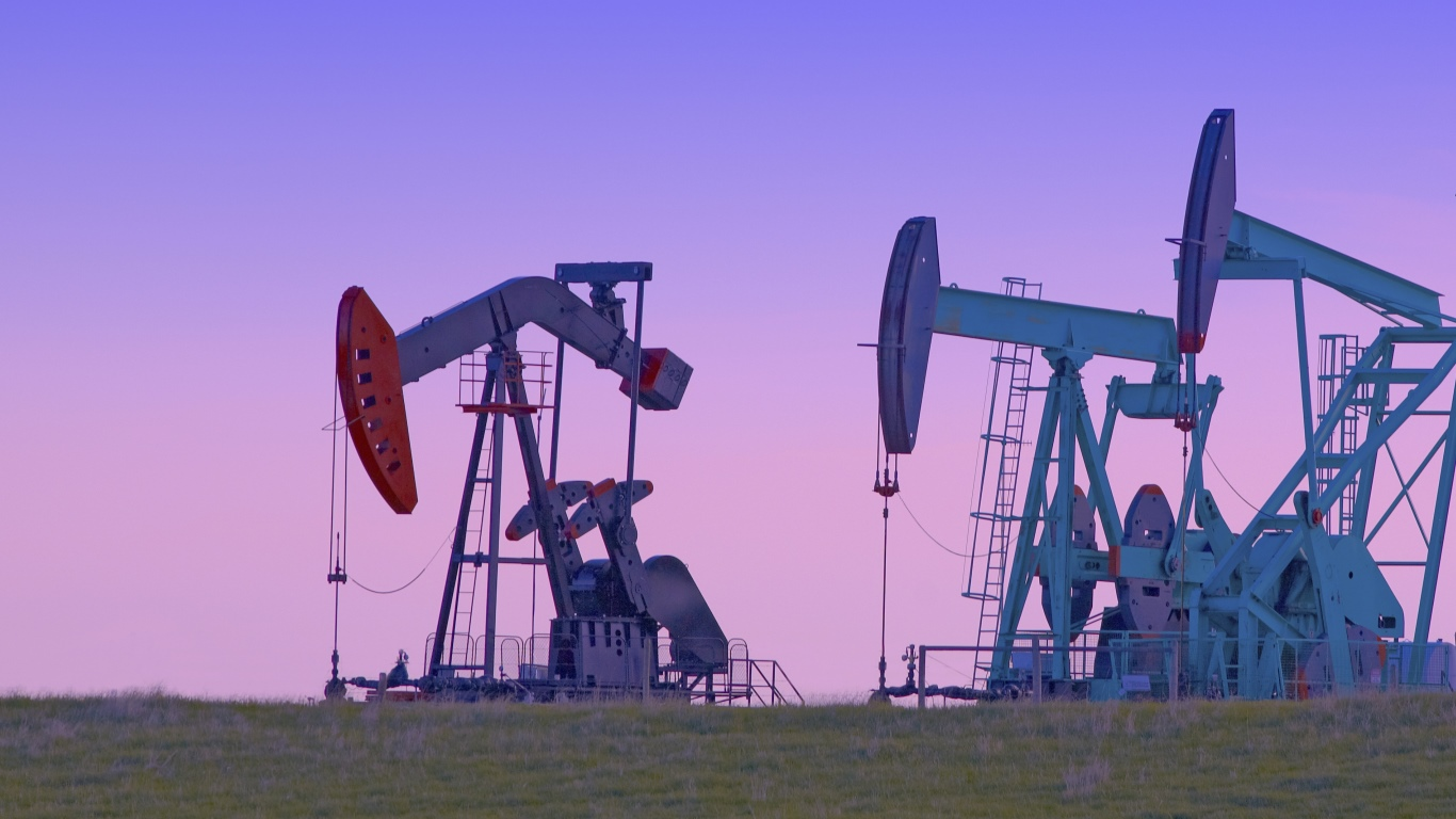 Record US Oil Exports Could Go Higher: 3 Dividend Energy