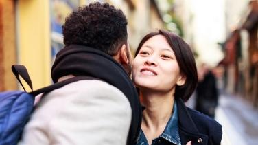 Dating Kiss Hellodatation Russiske Damer