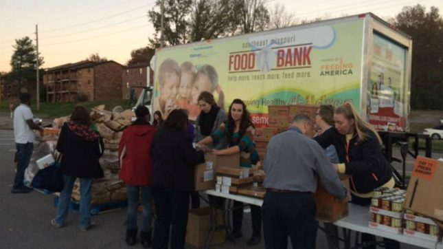 24/7 Wall St  » Blog Archive The 40 Best Food Banks in America «