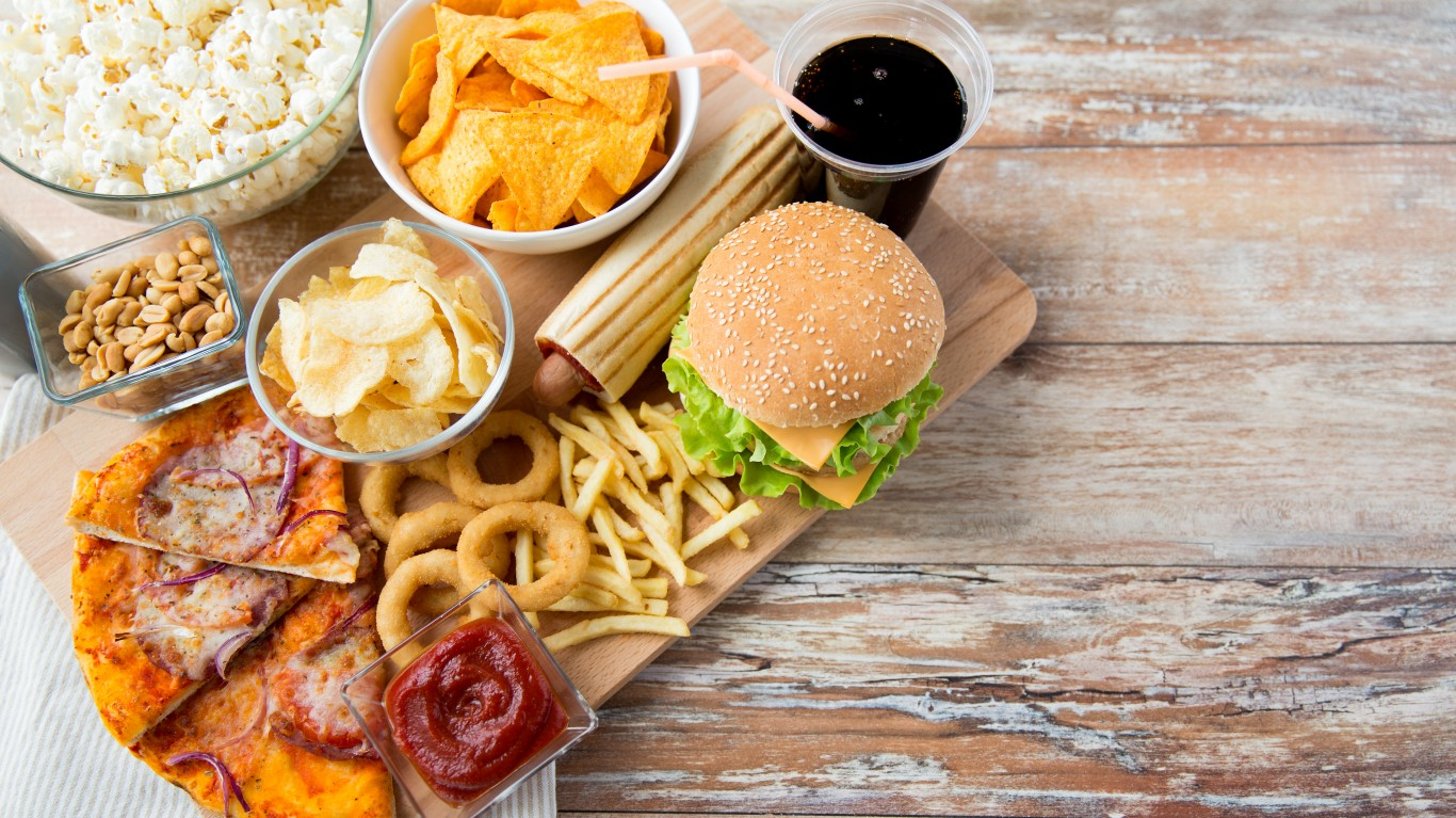 Amazon Offers Free Restaurant Delivery So People Can Binge