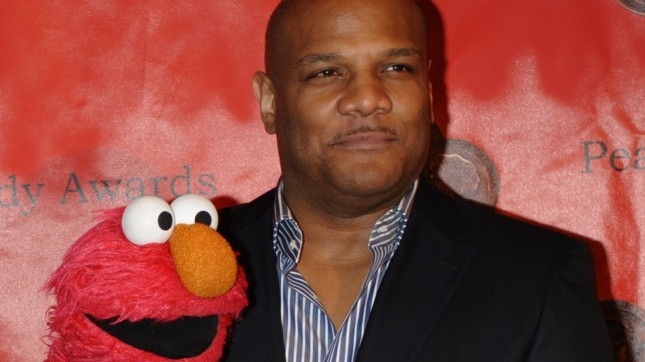 Kevin Clash Elmo 2010 (cropped... by Peabody Awards