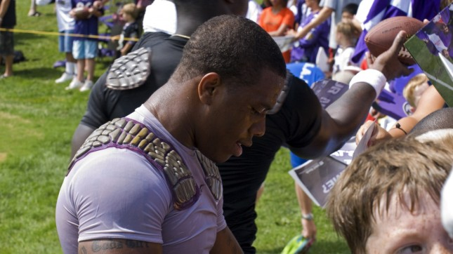 Ray Rice Signing Autographs by Jeff Weese